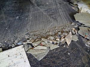 asbesthoudende colovinyl tegel en bitumen